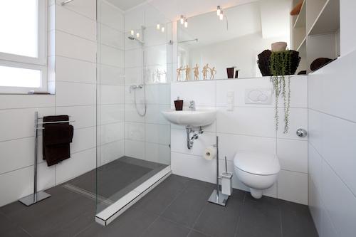 Badsanoerung Lübeck - Badezimmer nach Renovierung