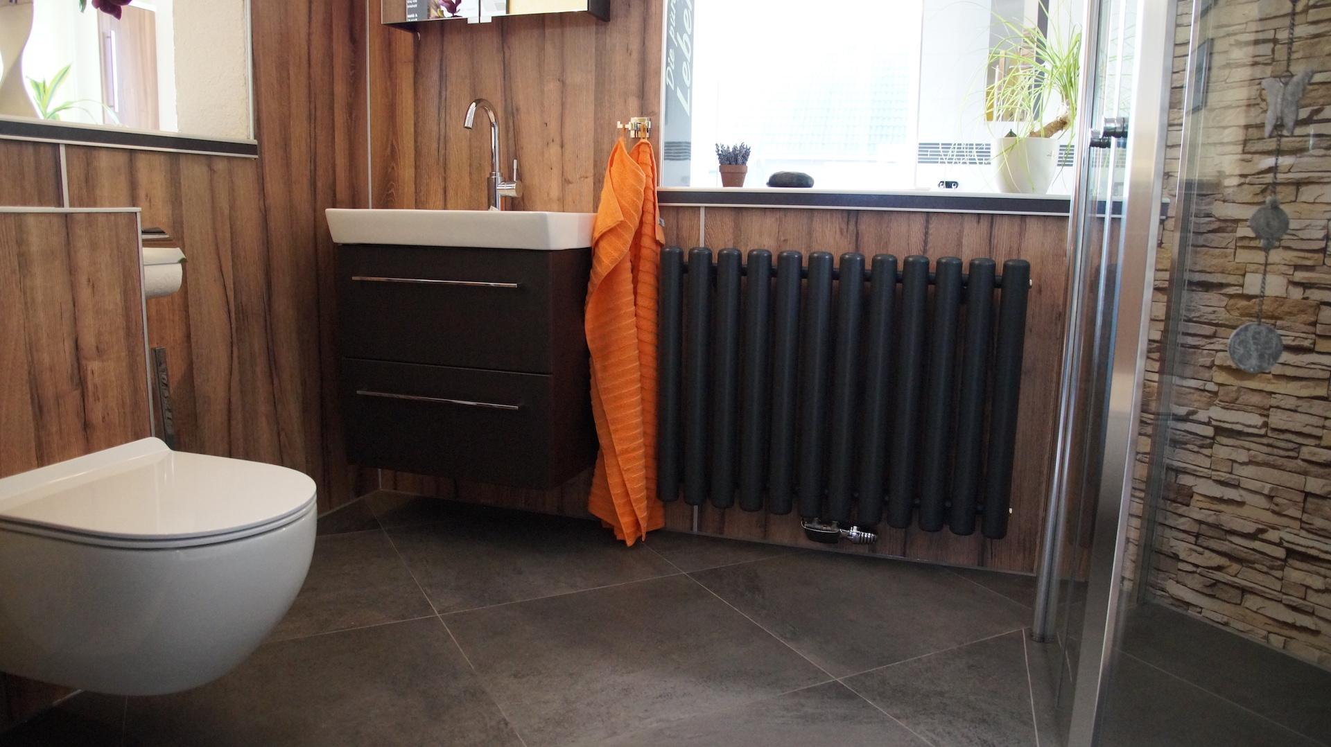 Badsanierung Lübeck Muster und Beratungsraum